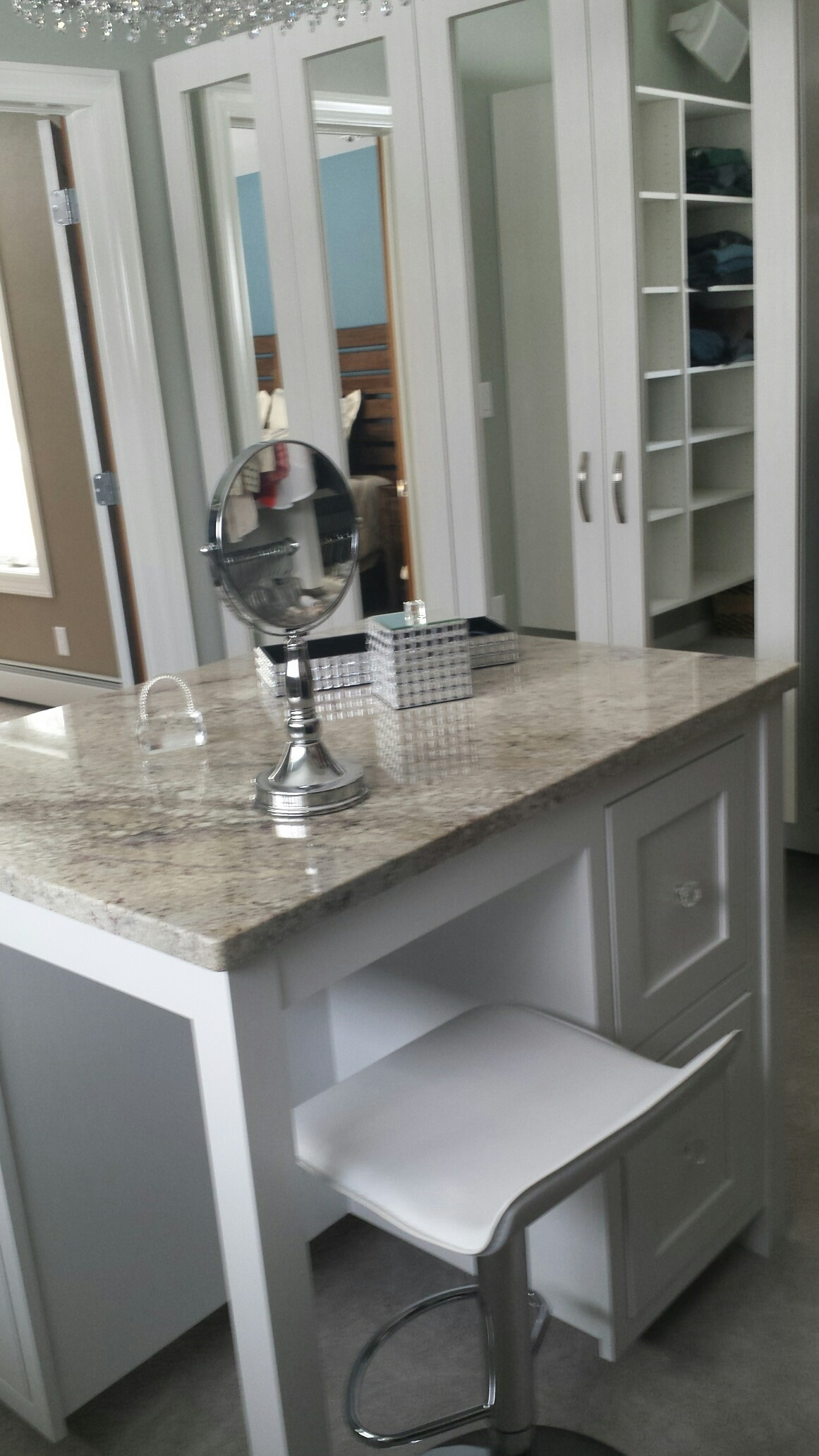 CUSTOM CABINETRY AT AFFORDABLE PRICES